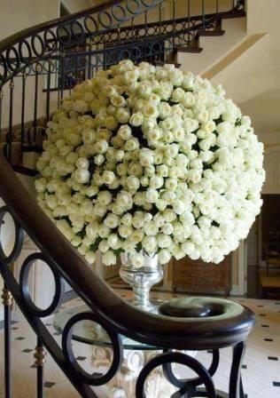 Hermoso Arreglo Floral Con 300 Rosas
