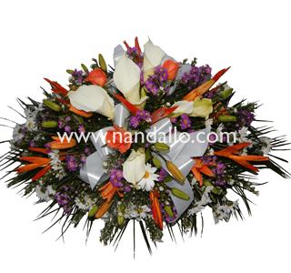 Arreglo de flores tropicales para funeral