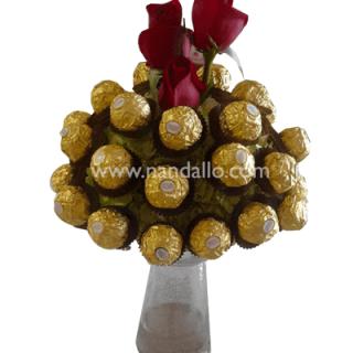 Arreglo de chocolates ferreros