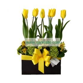 Arreglo de tulipanes amarillos