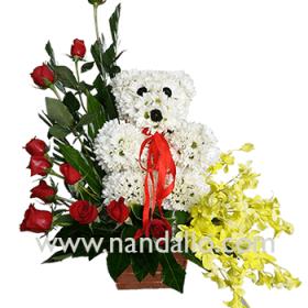 Arreglo con oso de flores