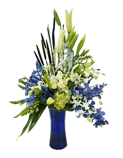 Arreglo floral azul con orquídeas