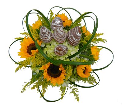 Arreglo floral girasoles y fresas
