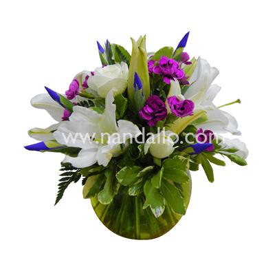 Elegante Arreglo Floral En Pecera