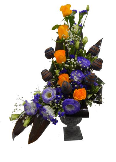 Arreglo Floral De Lisianthus Rosas Y Fresas Con Chocolate
