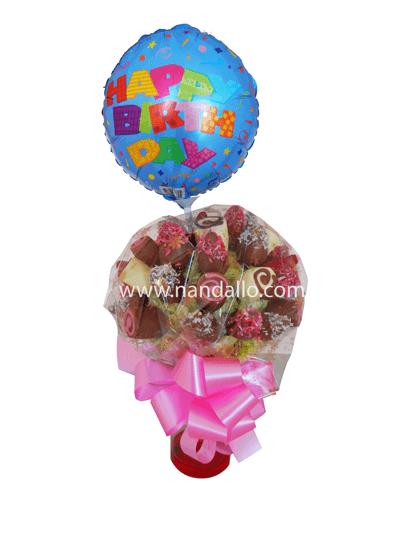 Arreglo de flores, masmelos y frutas con chocolate