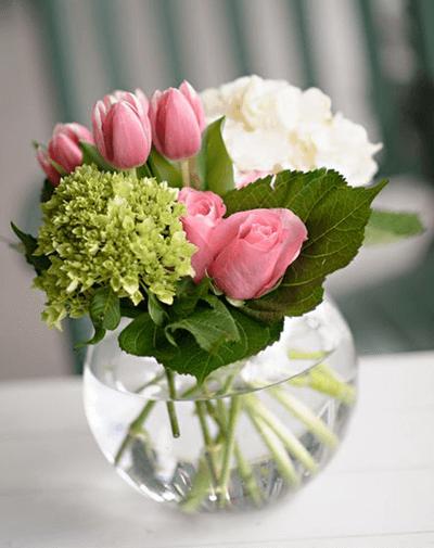 Delicada Pecera De Tulipanes Y Rosas