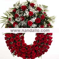 Corona con rosas rojas