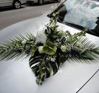 Arreglo floral para auto