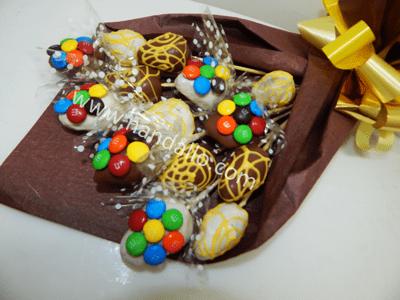Ramo frutal con chocolate y M&M