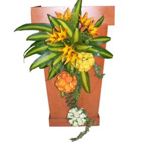 Arreglos para podium con esferas florales