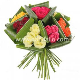 Bouquete con rosas multicolores