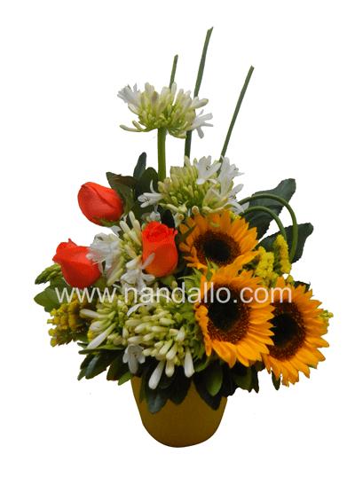 Detalle con flores primaverales