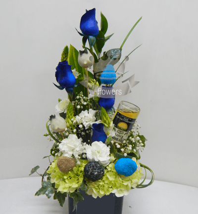 Arreglo floral y frutal con licor