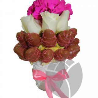 Arreeglo frutal con hortensias